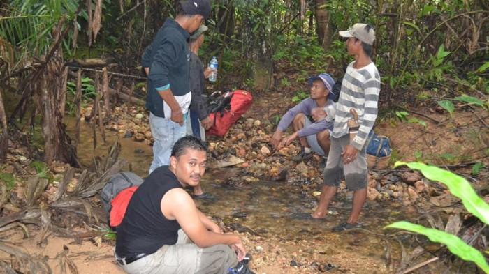 Ambisi Dally Menemukan Orang Pendek di Pedalaman Sumatra