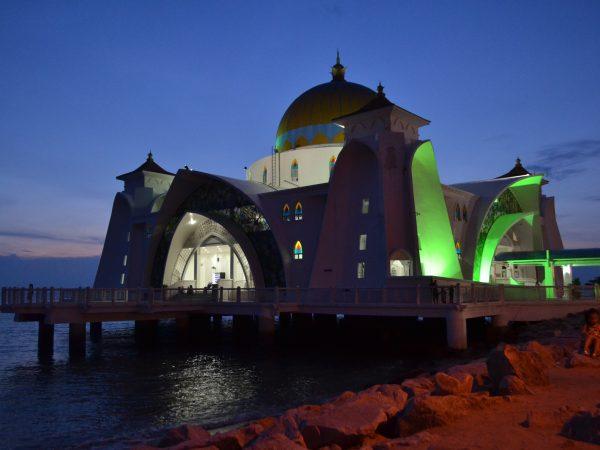 Melaka, I am in Love (Part 4) Anda Bukan Islam, Kenapa Berhenti?