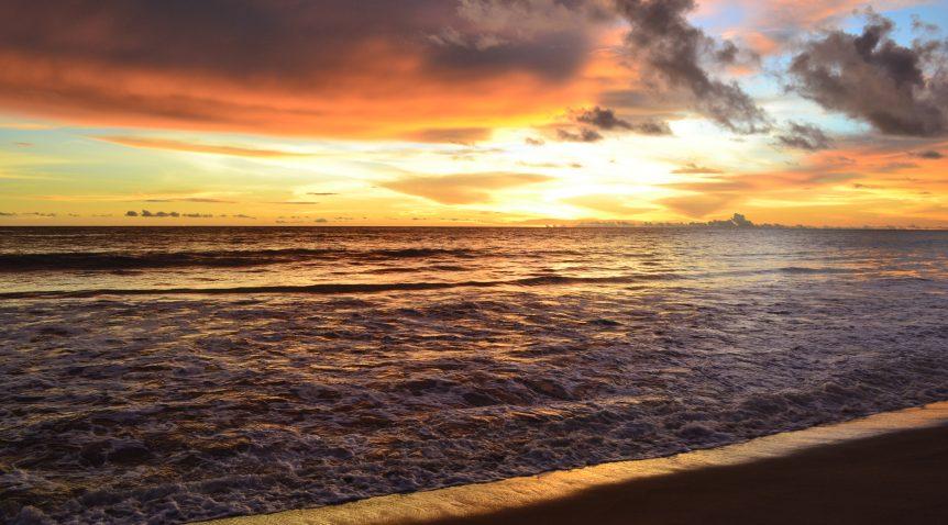 Keindahan Pantai Muaro Air Haji